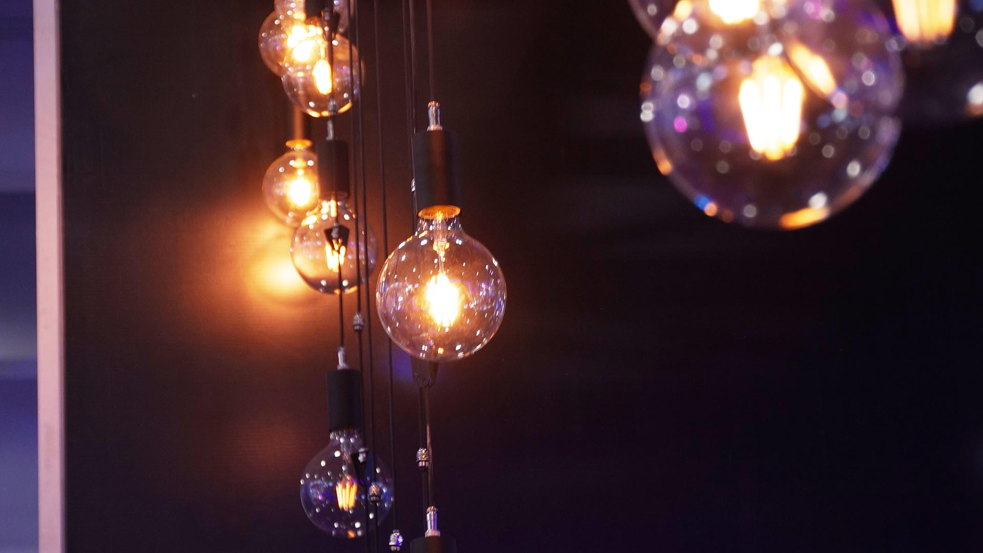 Kinetic LED Bulb (3)