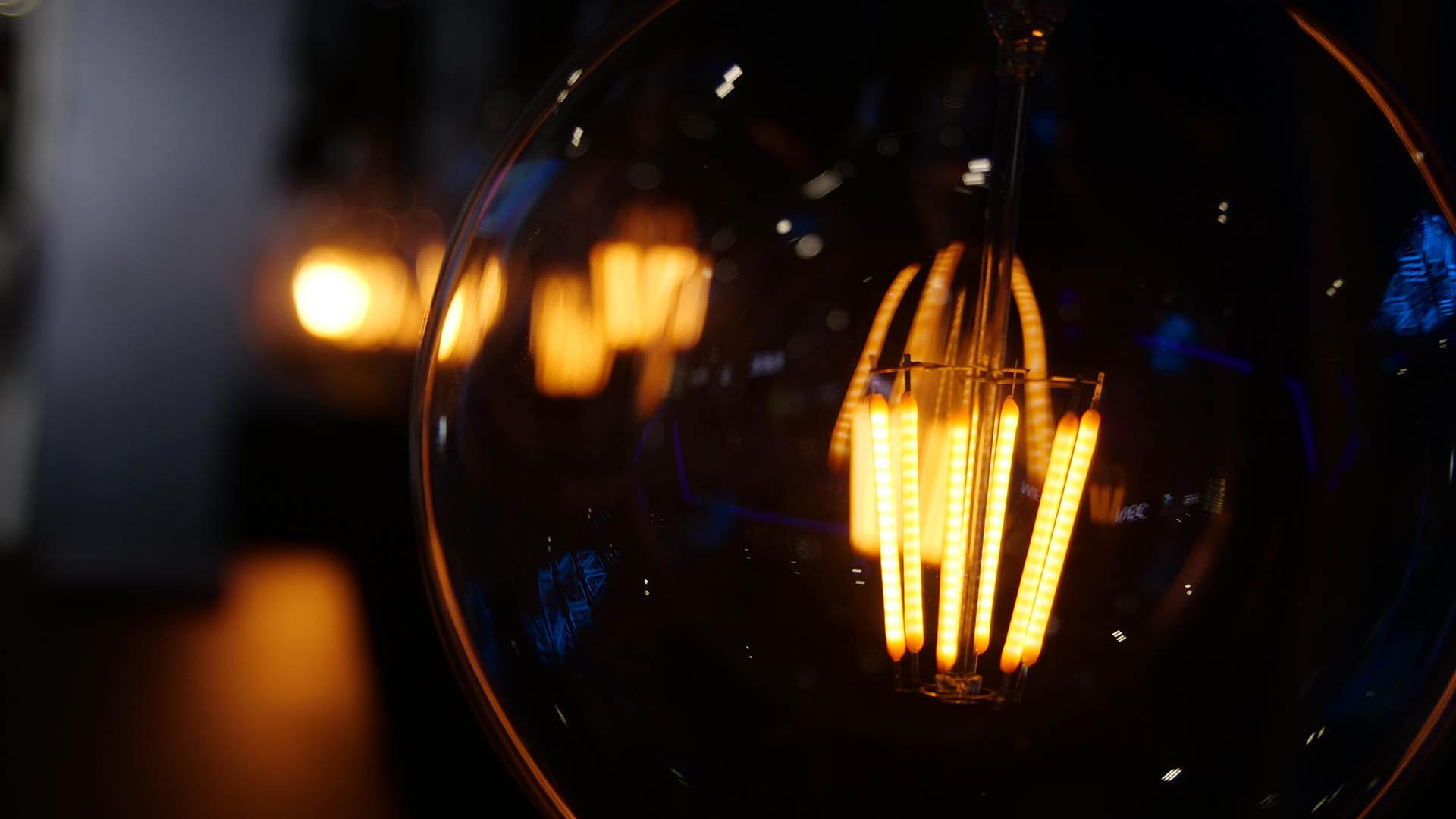 Kinetic LED Bulb (4)