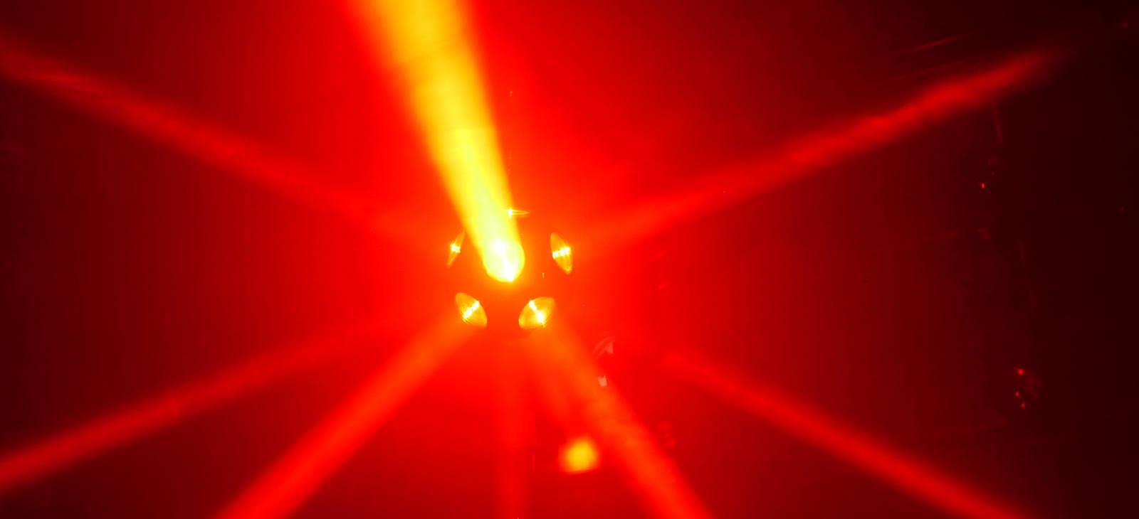 ເຕະບານ Kinetic LED (1)