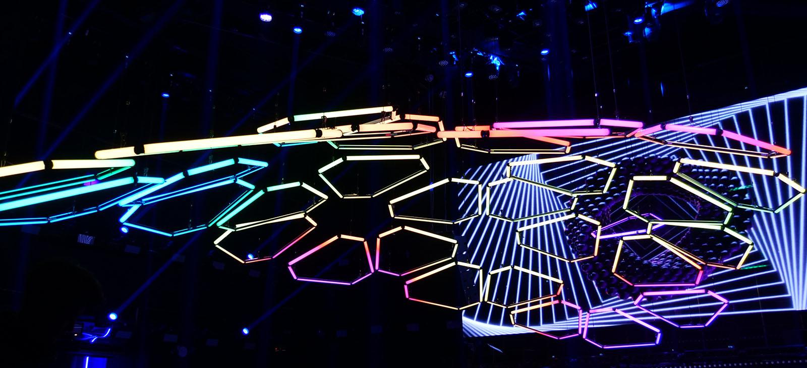 Kinetic LED Hexagon Bar (3)