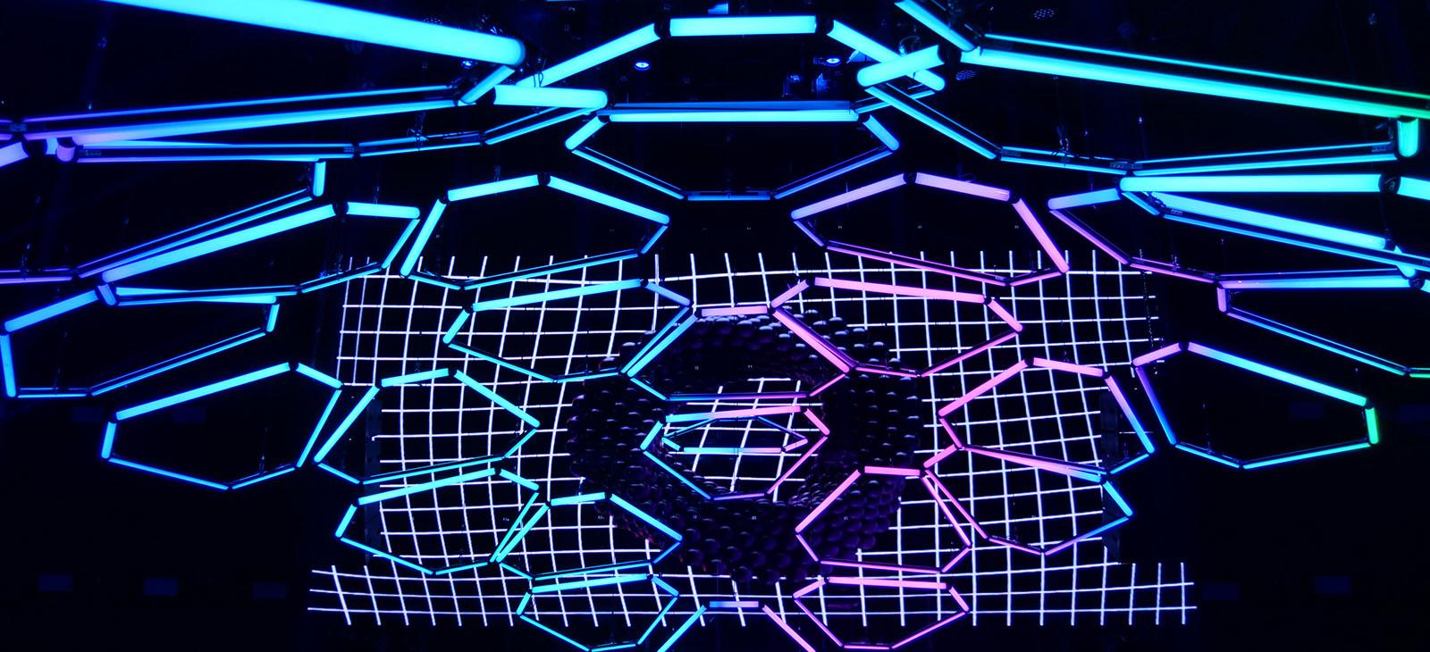 Kinetic LED Hexagon Bar (4)