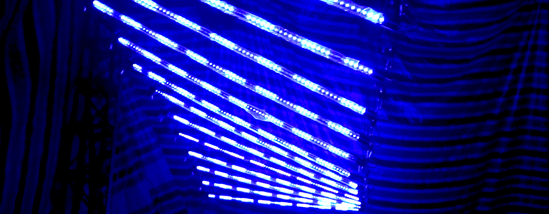 Kinetic LED Pixel Line (1)
