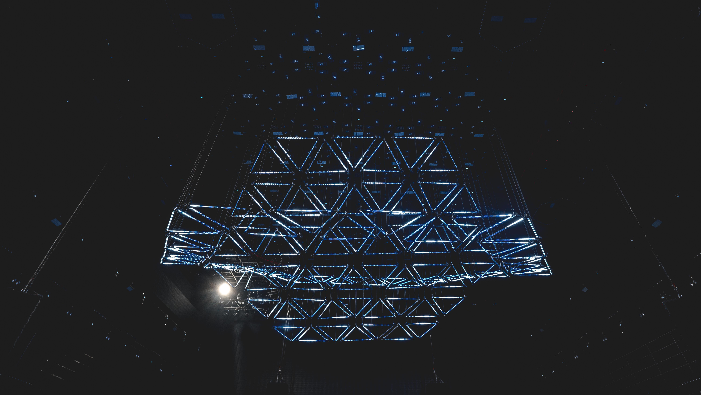 Kinetic Triangle Bar (3)
